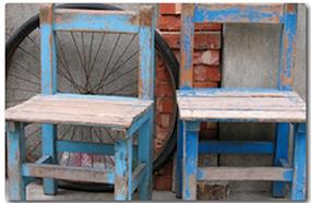 Restaurar una silla antigua con betún de judea